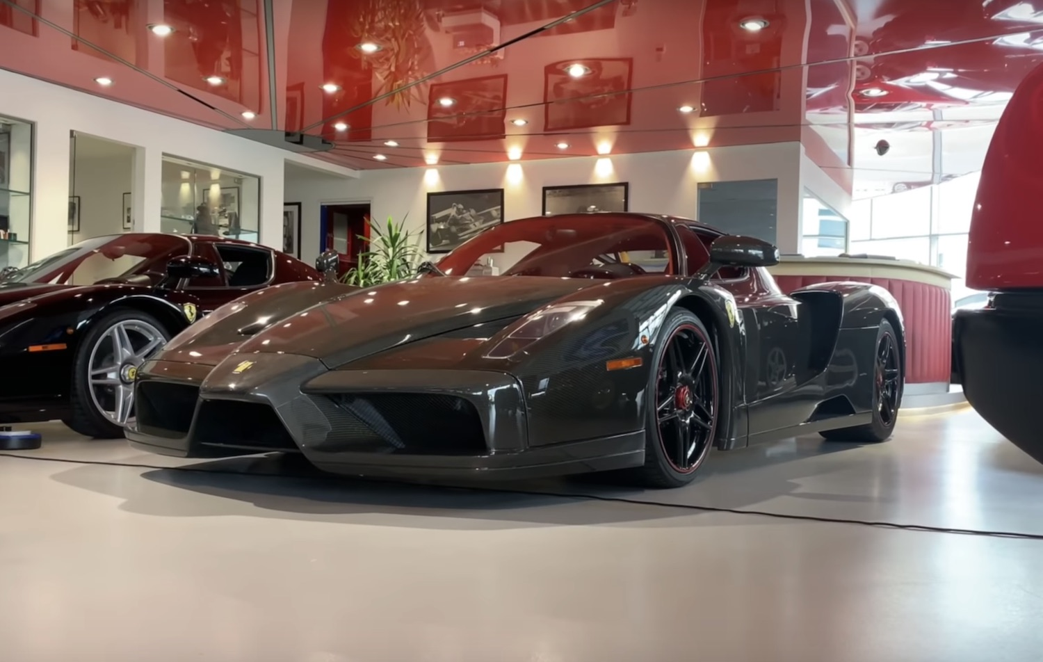 Supercar Dealership Near Me >> Feast Your Eyes On This London Dealership S Amazing Supercar