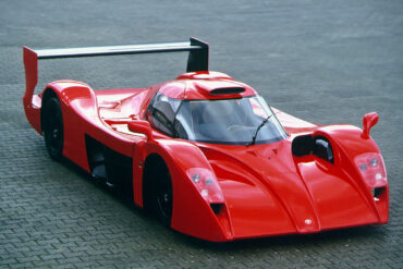 Toyota GT-One Road Version (TS020)