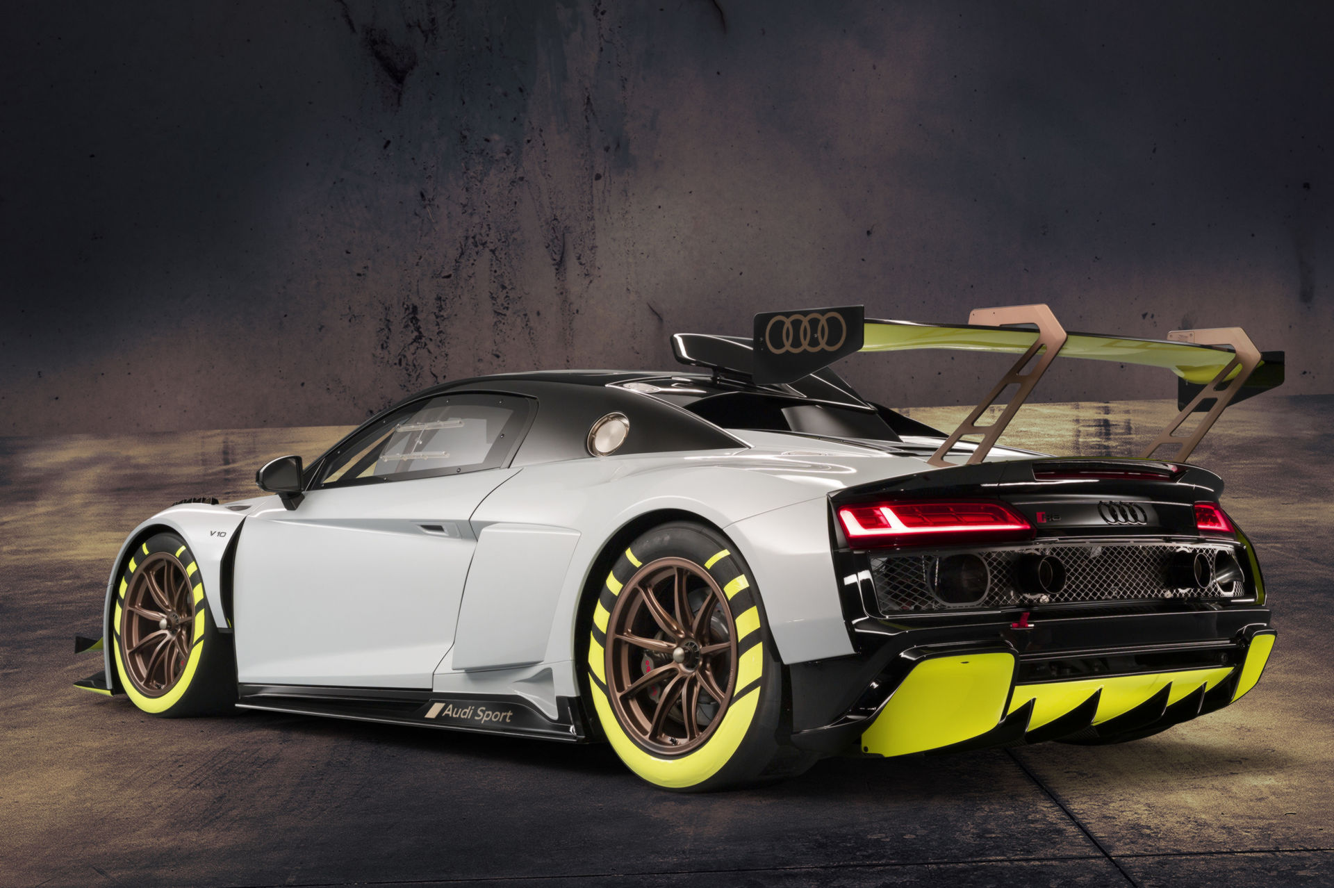 Audi Has The R8 Lms Gt2 Racer Ready For Christmas News