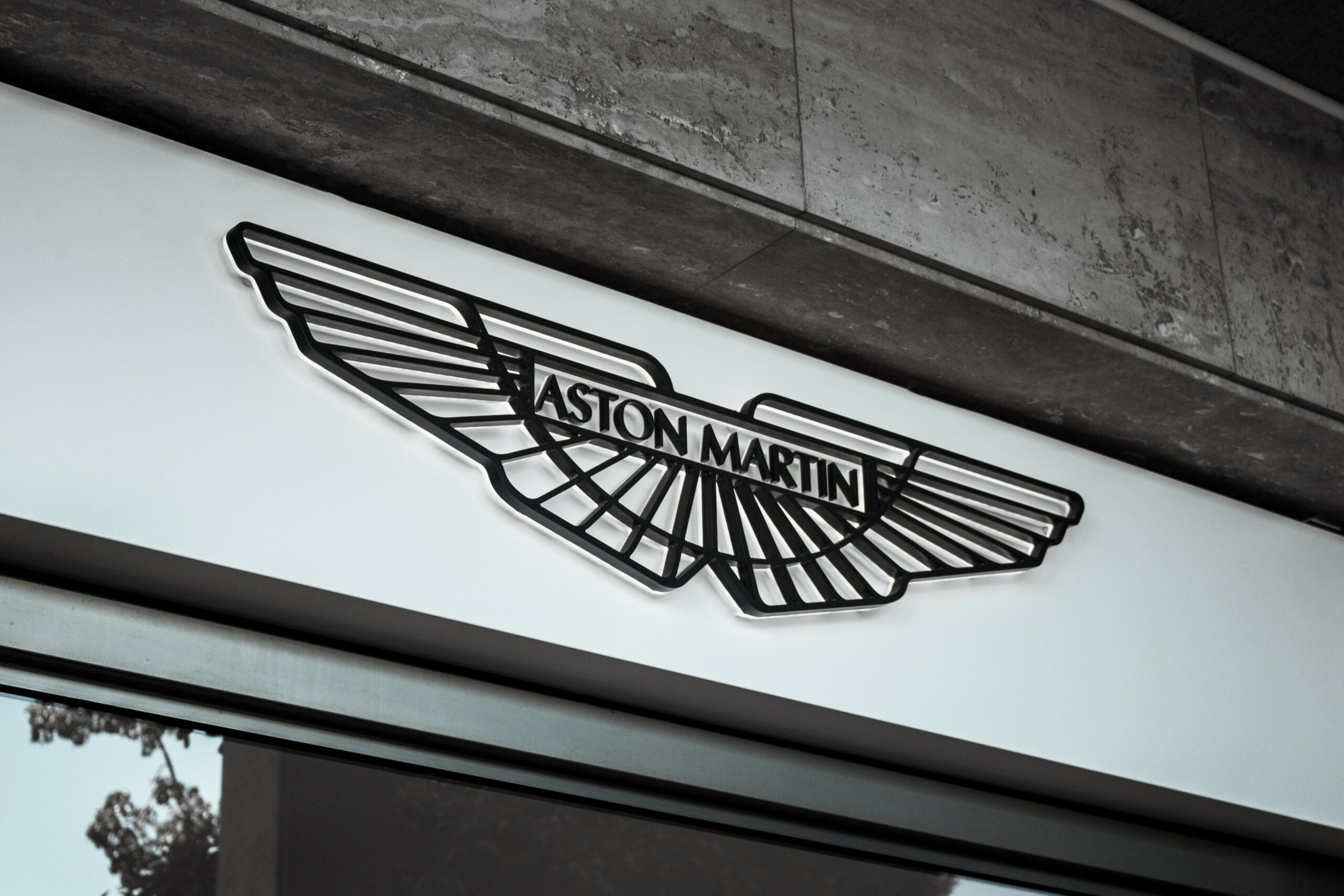 29 Awesome Car Logos With Wings The Complete List