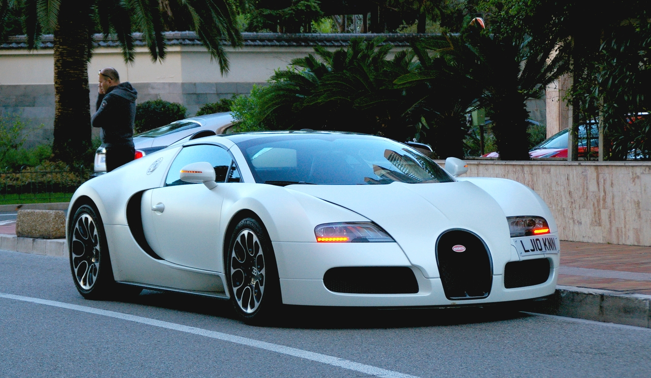 The 2020 Bugatti Veyron Grand Sport Sang Blanc