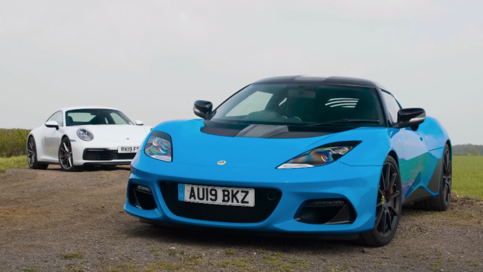 VIDEO: Porsche 911 Carrera S Vs Lotus Evora GT410 Sport