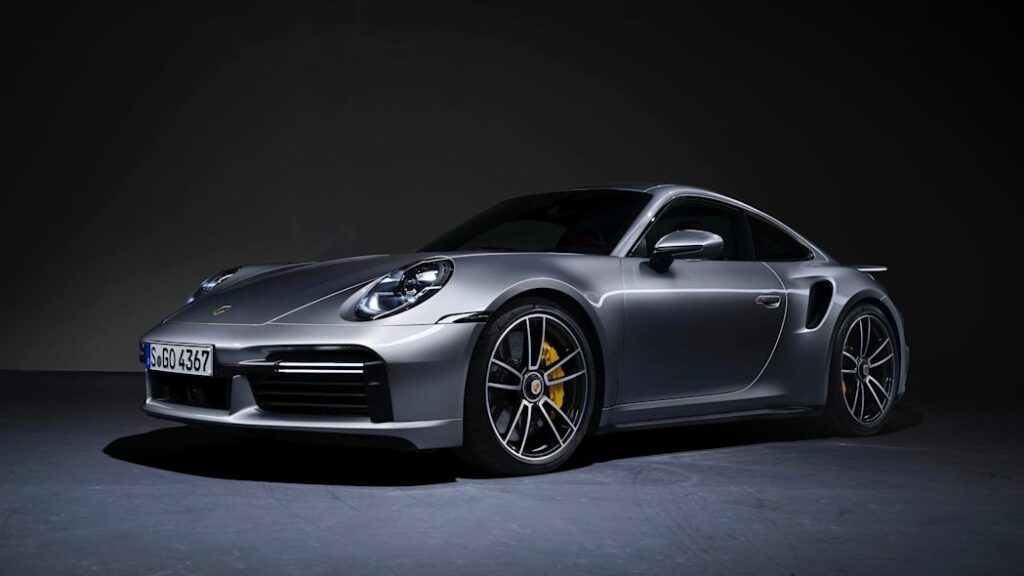 2021 Porsche 911 Turbo S active aero