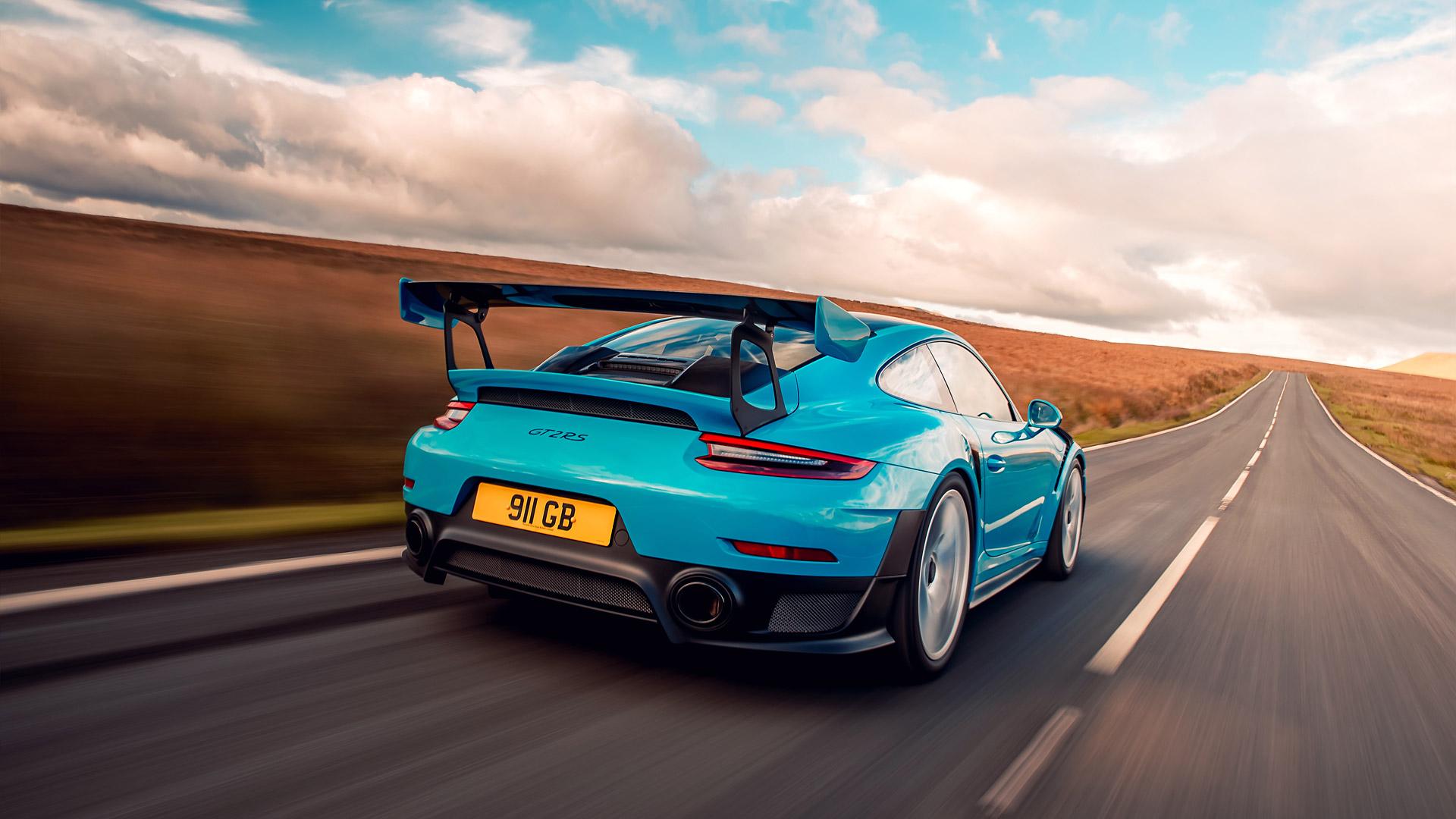 2018 Porsche 911 GT2 RS Wallpapers