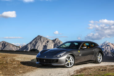 Ferrari GTC4 Lusso Wallpapers