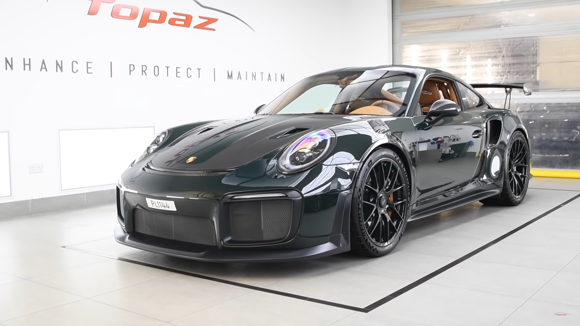 Topaz Documents New Porsche 911 Gt2 Rs Featuring 100k In Visual Mods Video Supercars Net
