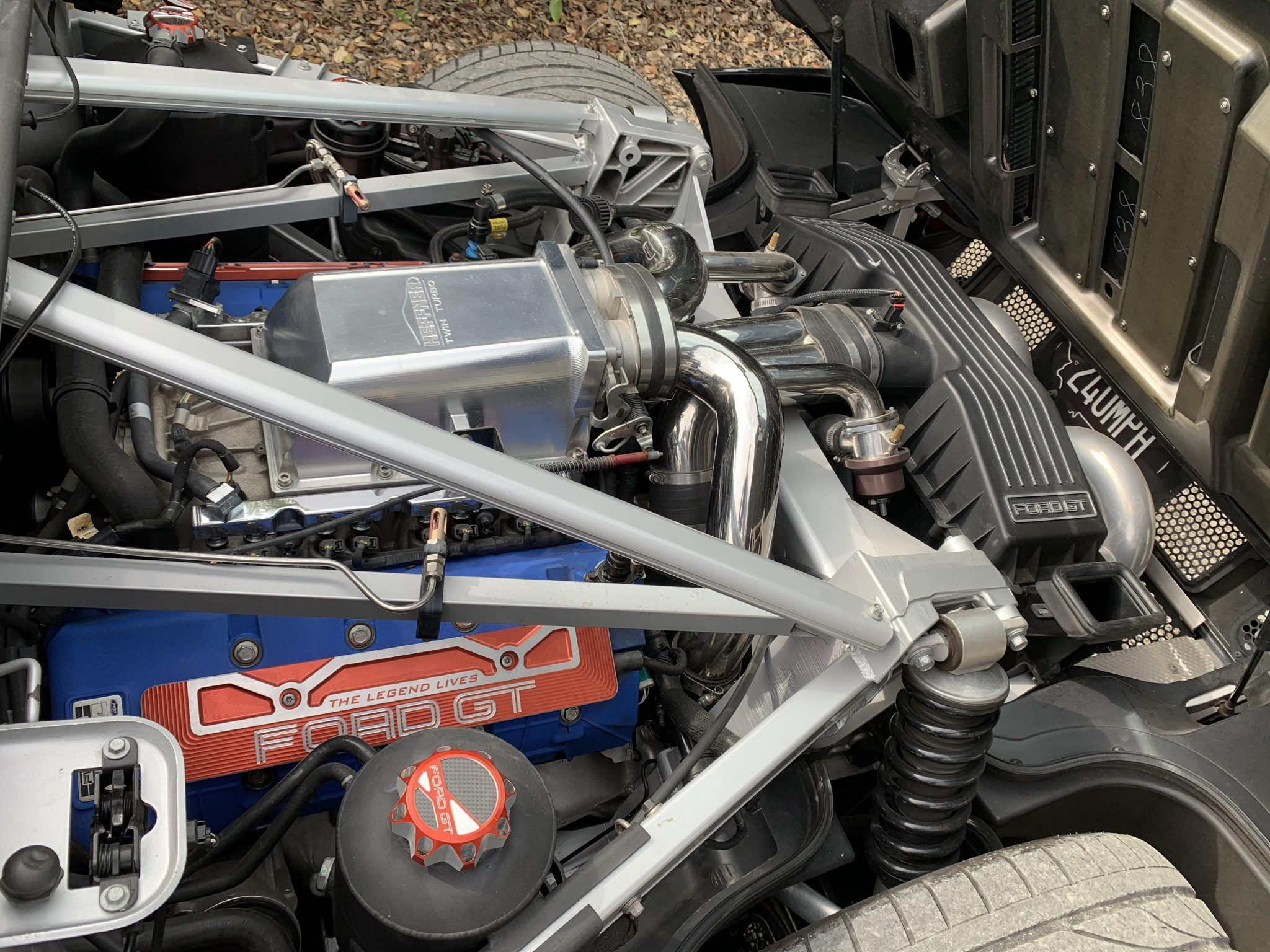 2005 Ford GT Mid-Engine