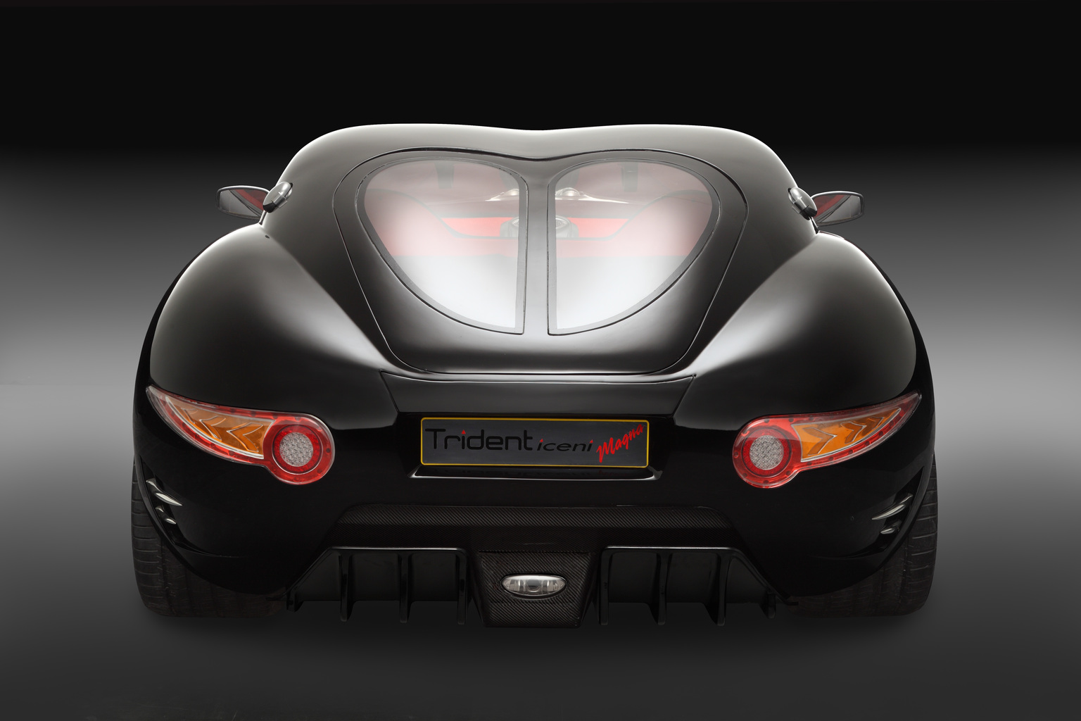 Trident Iceni Magna rear view